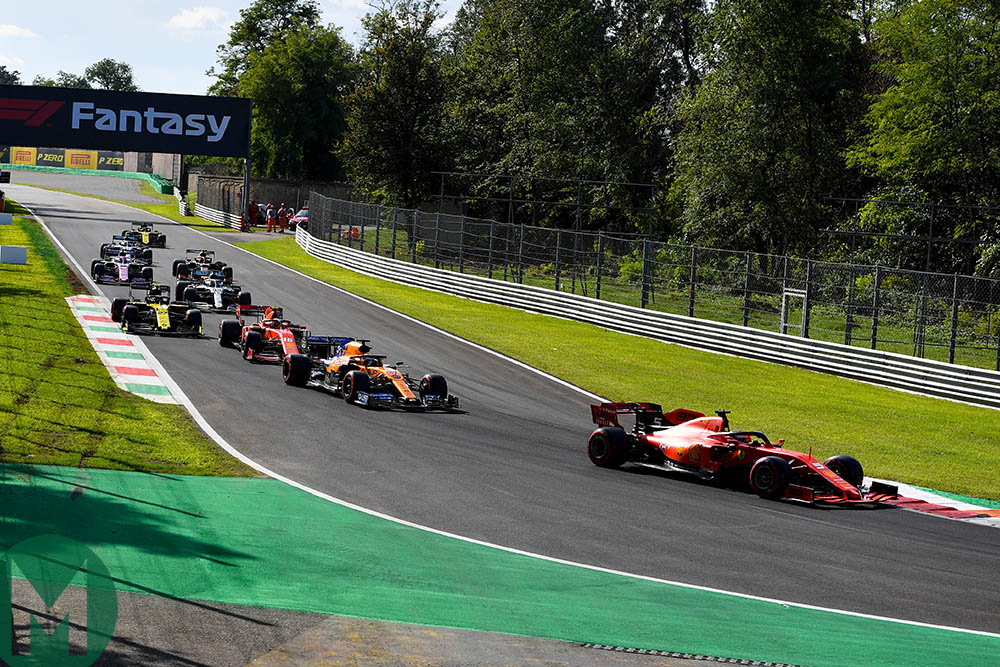 Cars bunched up as they all try and secure a tow during the Q3 qualifying session at the 2019 Italian Grand Prix