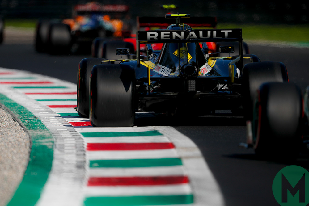 Rear shot of a line of cars as time runs out to qualify at the 2019 Italian Grand Prix