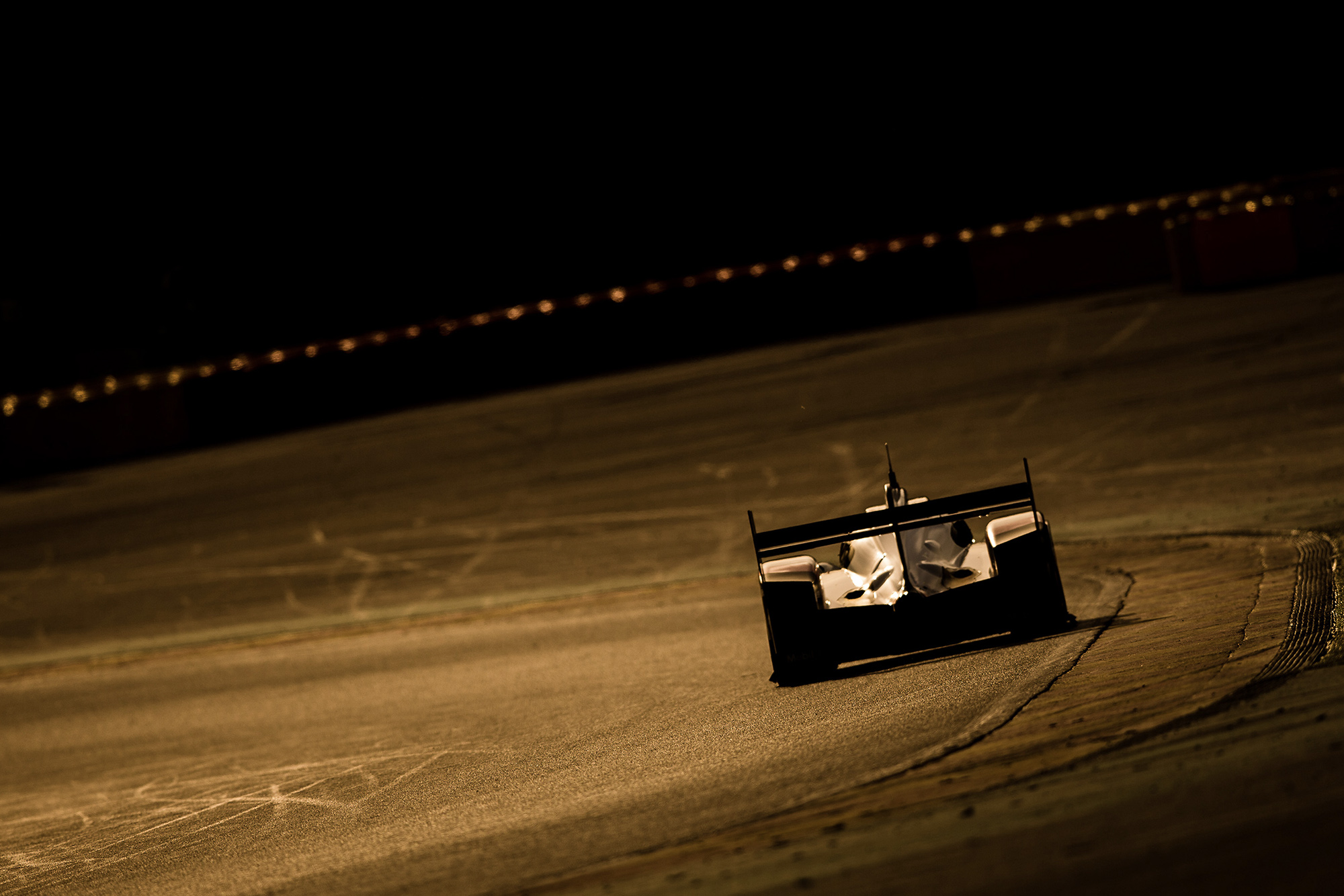 Porsche 919 heads into the sunset at Spa