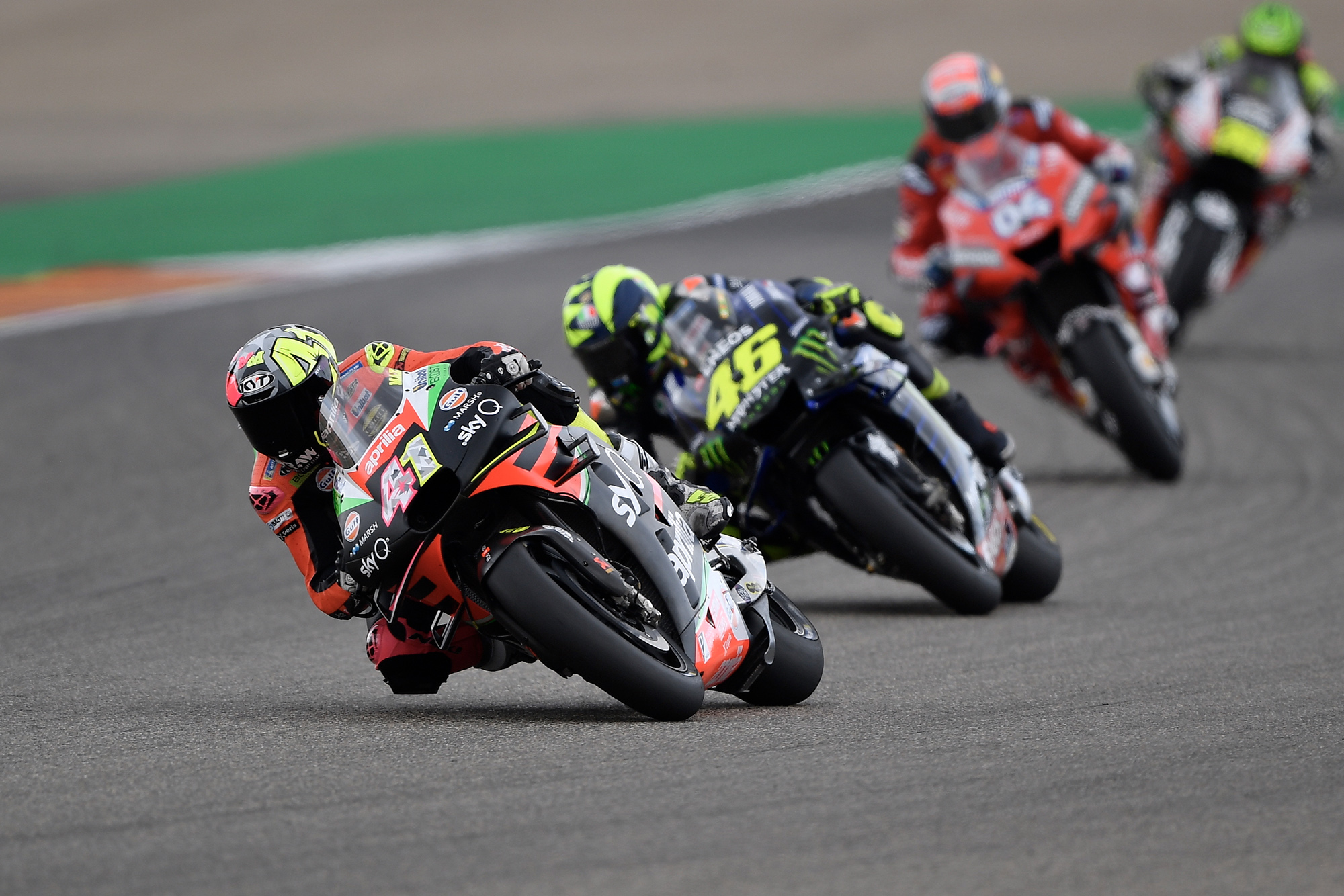 Espargaró leads Rossi, Dovizioso and Crutchlow at Aragon